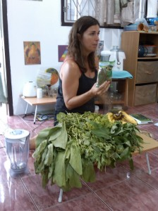 Jennifer Thompson green smoothy guru